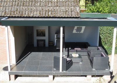 Verbouw en uitbreiding overdekte tuinkamer met terras, Apeldoorn
